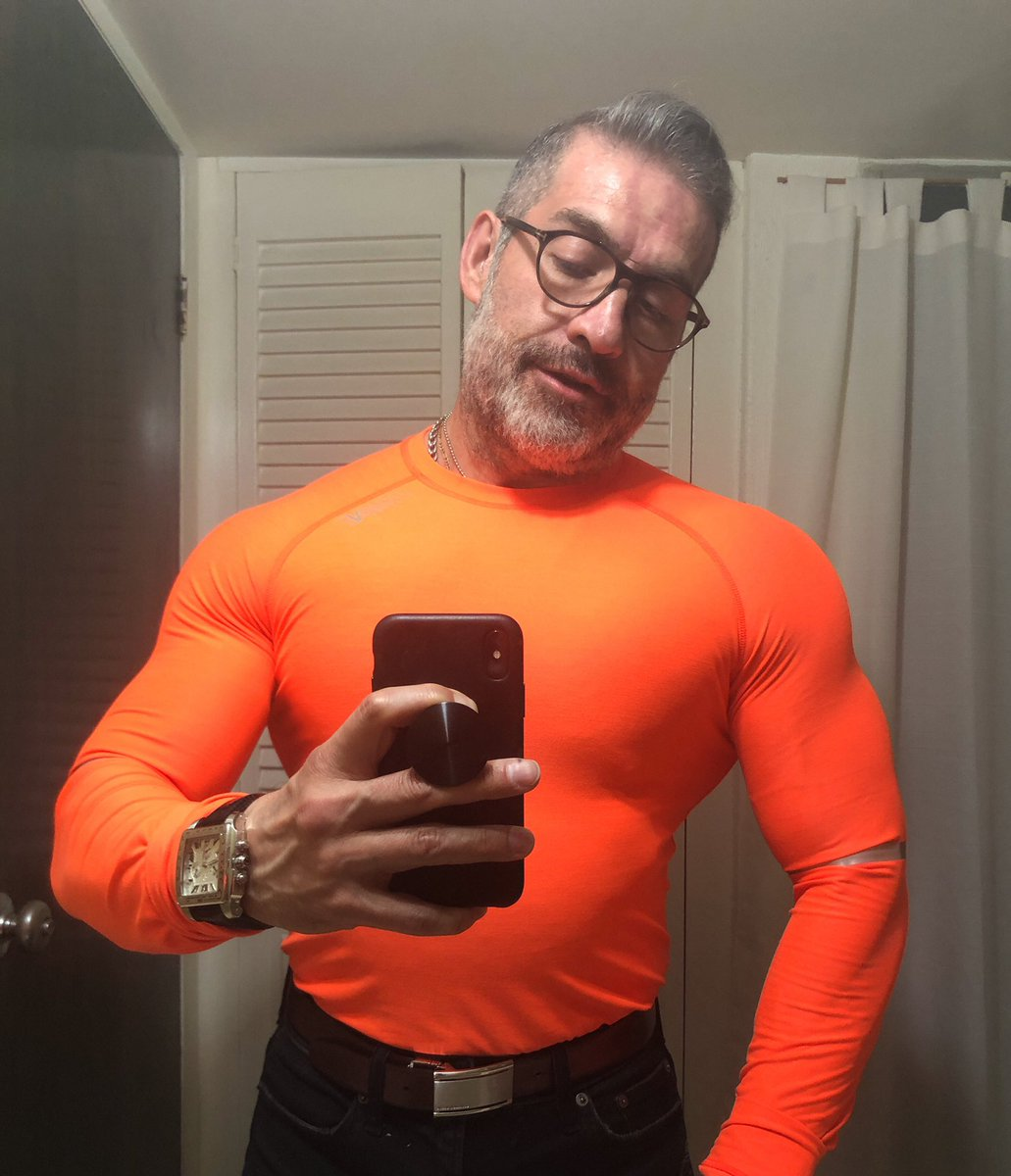 The Sunday Selfie!#vamospormas#trabajoconresultados #muscleandhealth #bigmuscles #bodybuilding #bodybuilder #PepeOliva #gains<br>http://pic.twitter.com/zQ1ehqdxNJ