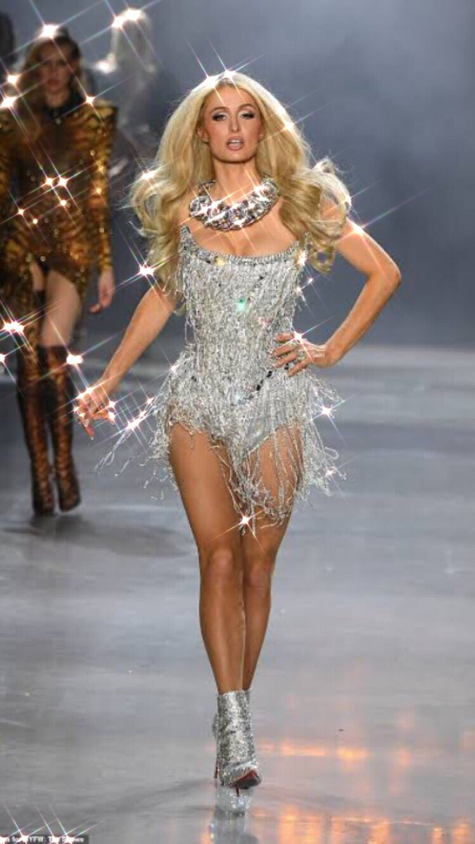 OMG @ParisHilton looks like a Barbie dressed with lots of diamonds. I love the #PlatinumRush vibes 💎💎💎💎 #YouMakeFeelAlive