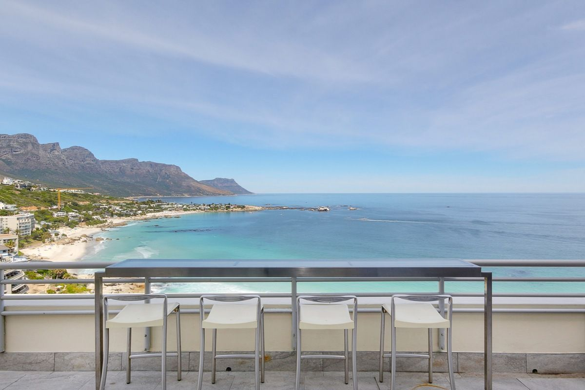 Stay in the exclusive suburb of #Clifton in this secure #apartment.It offers beautiful views&homely interiors to be enjoyed with #friends & #family. https://buff.ly/2Rmi3PK  #PenthouseonClifton #travel #holiday #getaway #accommodation #capetown #clifton #staywithnox #ocean #sunset