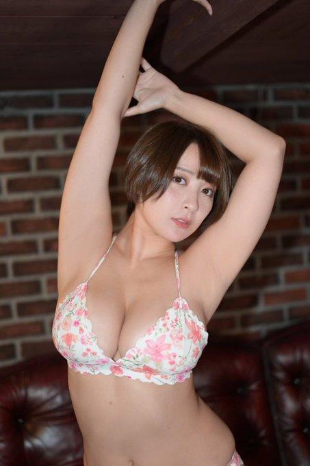 グラビアアイドル紺野栞のTwitter自撮りエロ画像39