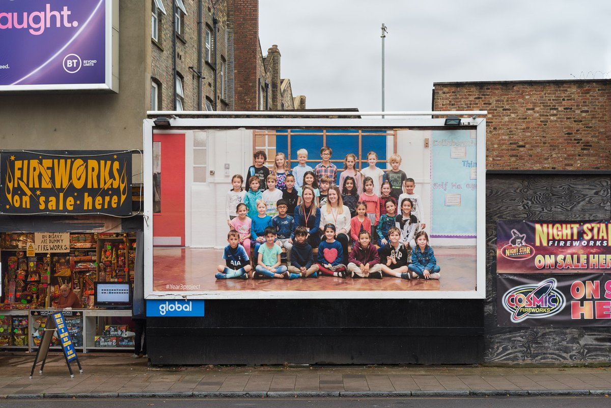 📢 Look up London! Over 600 billboards in every London borough have been unveiled today in one of the most ambitious visual portraits of citizenship ever undertaken: bit.ly/32d34x0 Steve McQueen's #Year3Project is a partnership between @Artangel, Tate & @A_New_Direction