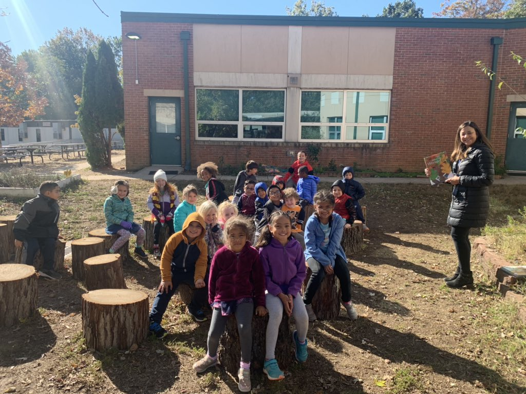 Loving our new outdoor library!!! 📚Thanks Claremont PTA <a target='_blank' href='http://twitter.com/CIS_PTA'>@CIS_PTA</a> <a target='_blank' href='https://t.co/HjWgrGCtDp'>https://t.co/HjWgrGCtDp</a>