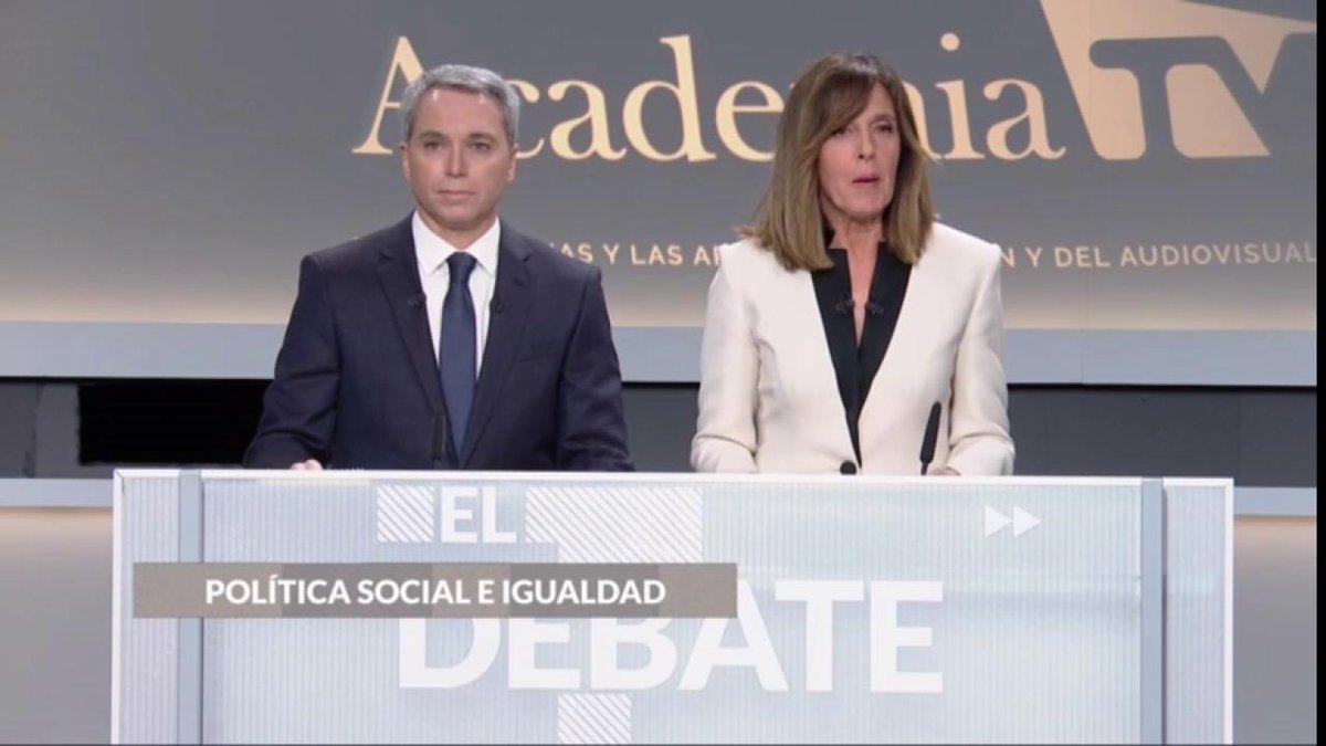 """DIRECTO #DebateElectoral https://t.co/kLBauc9qjb Ana Blanco subraya que no hay mujeres en el debate electoral: """"Esta no es una foto de igualdad"""" #10N https://t.co/10SE9K7kmG"""
