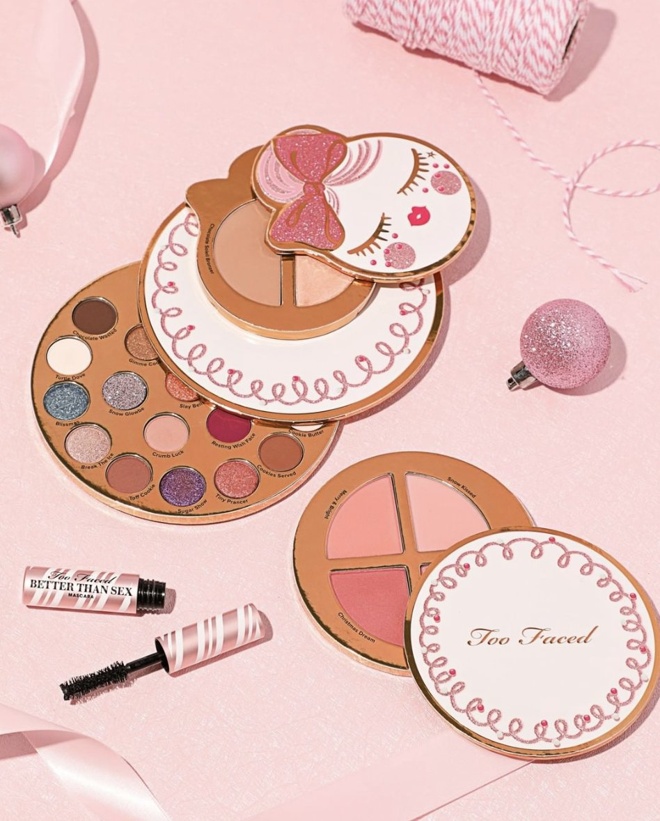 Dear Santa, please bring me ☝️ Our Let It Snow, Girl! Makeup Collection will have you shining as bright as your Christmas lights with our 3 breakaway face & eye palettes and a deluxe Better Than Sex Mascara! ✨ Shop HERE: http://bit.ly/2WIDjDi