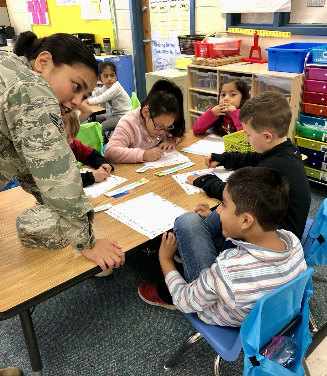 Barcroft's military partners help 1st graders write letters  to hospitalized children. <a target='_blank' href='http://search.twitter.com/search?q=DayofService'><a target='_blank' href='https://twitter.com/hashtag/DayofService?src=hash'>#DayofService</a></a> <a target='_blank' href='http://search.twitter.com/search?q=APSVolunteerStrong'><a target='_blank' href='https://twitter.com/hashtag/APSVolunteerStrong?src=hash'>#APSVolunteerStrong</a></a> <a target='_blank' href='http://twitter.com/APSVirginia'>@APSVirginia</a> <a target='_blank' href='http://twitter.com/APSVaSchoolBd'>@APSVaSchoolBd</a> <a target='_blank' href='http://twitter.com/cisofnova'>@cisofnova</a> <a target='_blank' href='http://twitter.com/GabyRivasAPS'>@GabyRivasAPS</a> <a target='_blank' href='http://twitter.com/VPLiaison'>@VPLiaison</a> <a target='_blank' href='http://twitter.com/krumbiegelgirl'>@krumbiegelgirl</a> <a target='_blank' href='http://twitter.com/TheNinjaLawyer'>@TheNinjaLawyer</a> <a target='_blank' href='https://t.co/CQuTrjPTNS'>https://t.co/CQuTrjPTNS</a>