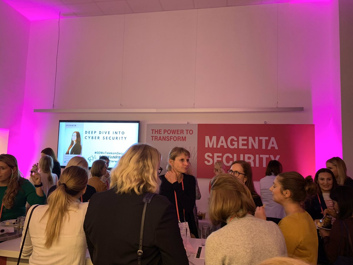 Social Media Post: ++ Global Digital Women After Work Event++ Ein schöner Abend geht...