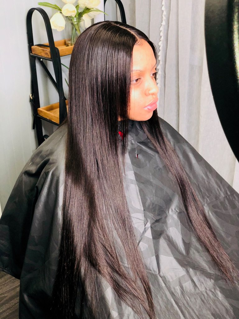 Sis, What CLOSURE?Fall = SLEEK hair only✨ She has in our brazilian straight hair.It can be found on our website art https://soo.nr/Jwev DON'T FORGET WE OFFER|BUY NOW| PAY LATER OPTIONS 😘#laceclosures #silkclosures  #unprocessed #freeshipping  #lasvegashair