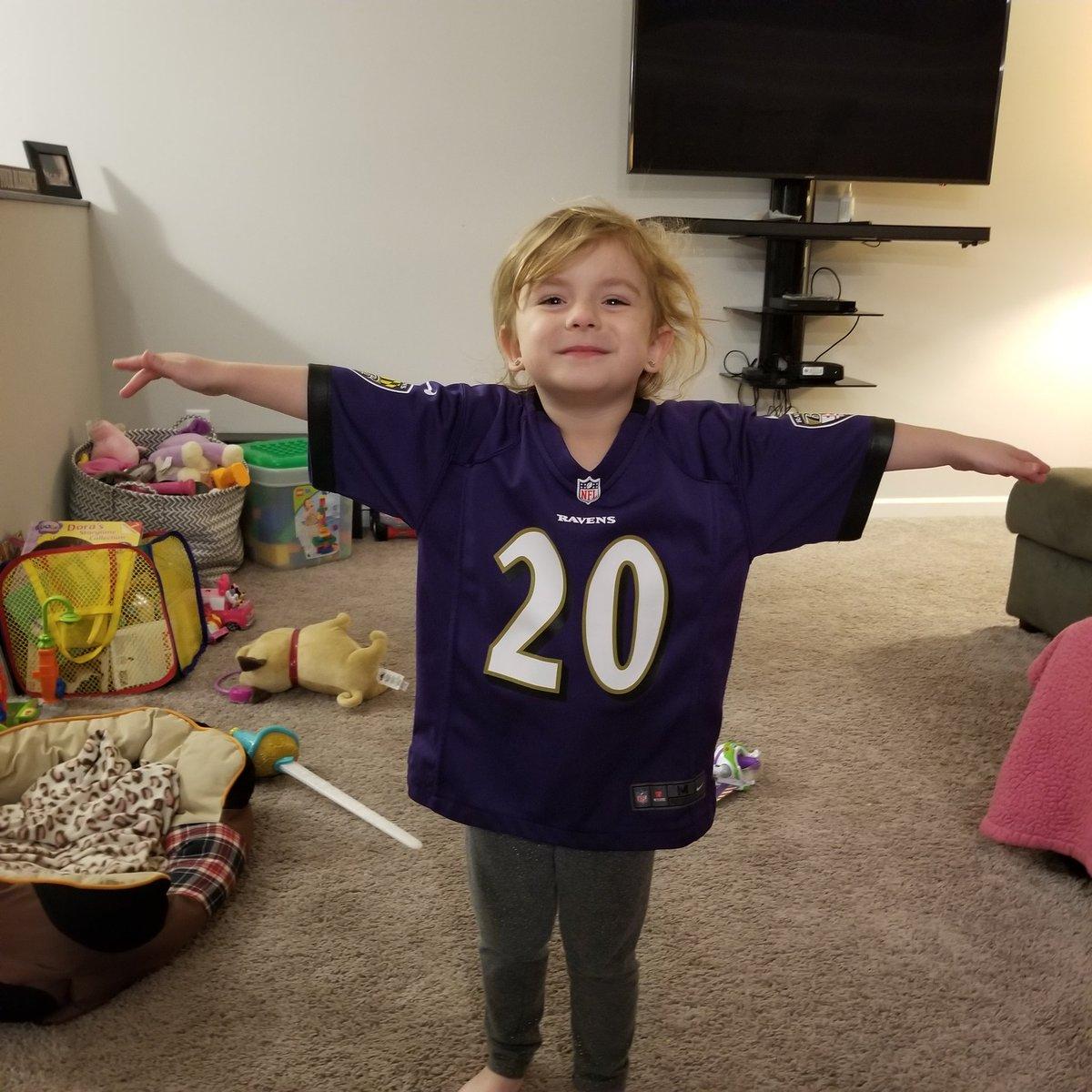 Ravens Fly!!!! Congratulations @EReed20 from Lucy!!!!!! #RavensFlock #RavensvsPatriots #ravenflock #raylewis https://t.co/ijxnzWUv1f