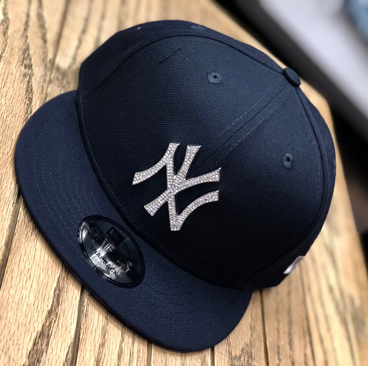 New Era  Snapbacks available at a StreetGame near you!  #newera #neweracap #snapbacks #fitted #nba #mlb #caps #champions #sports #sportsleague #champs #teams #favorite #shopping #retail #streetwear #apparel #9fifty #9fiftysnapback pic.twitter.com/FE9SHe5XI6