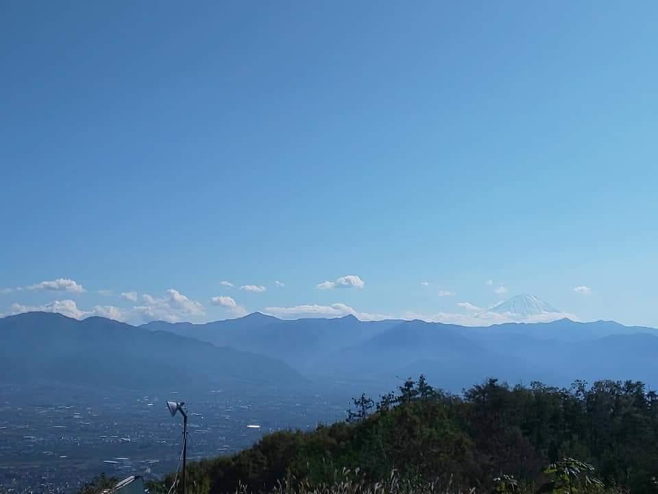 1年ぶりの ほったらかし温泉なう❗️  天気良すぎて 風呂入りながら 富士山見て絶景なう❗️  小腹すいたので 温玉あげ食ってみた❗️(°Д°)