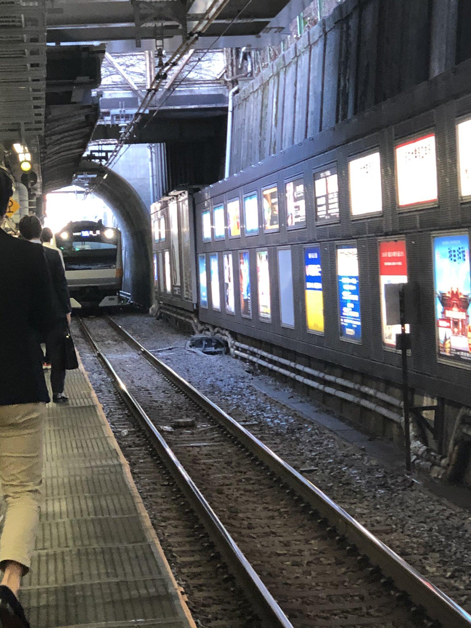 中央線の御茶ノ水駅で人身事故が起きた現場画像