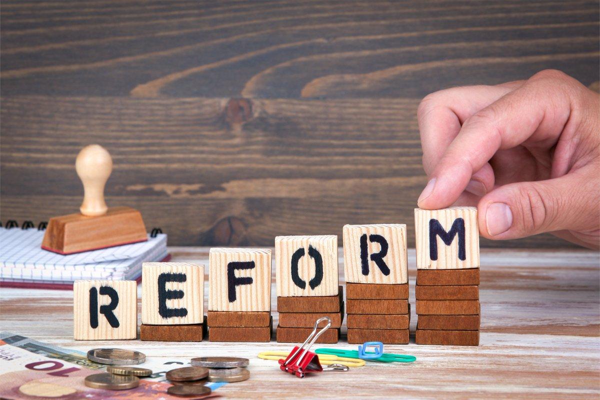 Der @bundesrat entscheidet am 8.11. über die Reform der #Psychotherapeutenausbildung. Die @LPKRLP unterstützt mit Nachdruck die Verabschiedung des #PsychThG!! Die #Ausbildungsreform ist dringend nötig und muss jetzt beschlossen werden! @MWWK_RLP @Soziales_RLP @rlpNews https://t.co/FQ8xnFzsWZ