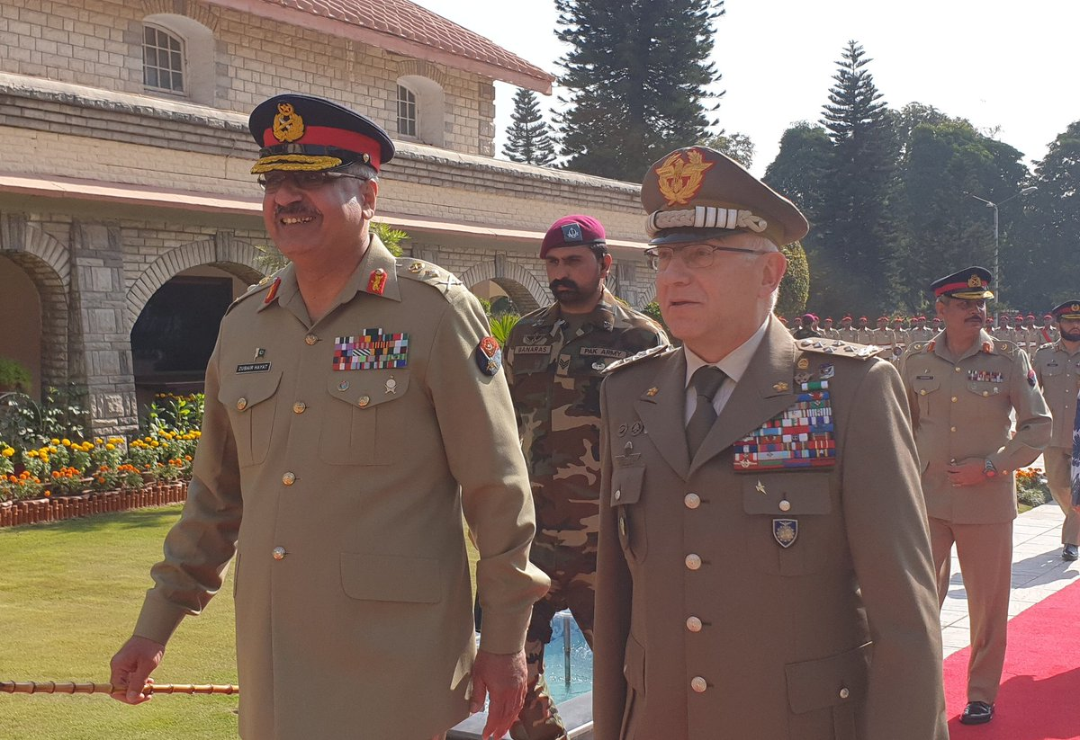 @GenGraziano welcomed in #Islamabad by Gen. Zubair Mahmood Hayat, Chairman of Joint Chiefs of Staff Committeee, #Pakistan, for 1st official visit to the country as #ChairmanEUMC. There are many areas of shared concern where we can work together, agreed Chairmen. @DefencedotPak