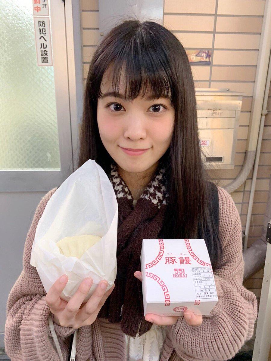 """大西亜玖璃 on Twitter: """"この間の大阪の美味しいもの写真〜🥰 肉まんの食べ比べや、たこせん、本場のたこ焼きを食べたよ💗全部美味しくて感動🥺🥺🥺 胃袋と相談したところ、残念ながら串カツを食べることができなかったので、絶対次は食べたるぞう!!!!😊… """""""