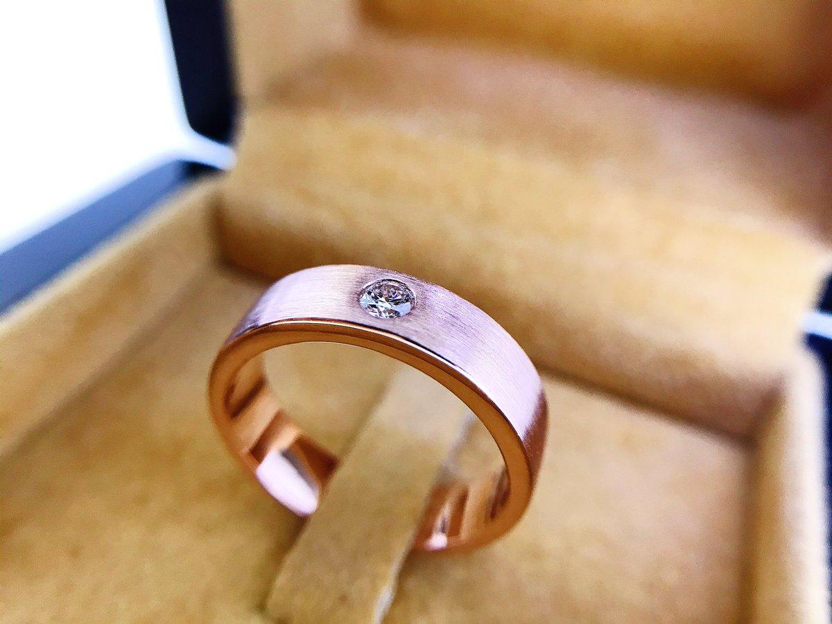 แหวนทองPink Gold ฝังเพชรแท้ . #แหวน #แหวนเพชร #แหวนทอง #ring #jewelry #diamond #silomjewelry #ราคาโรงงาน