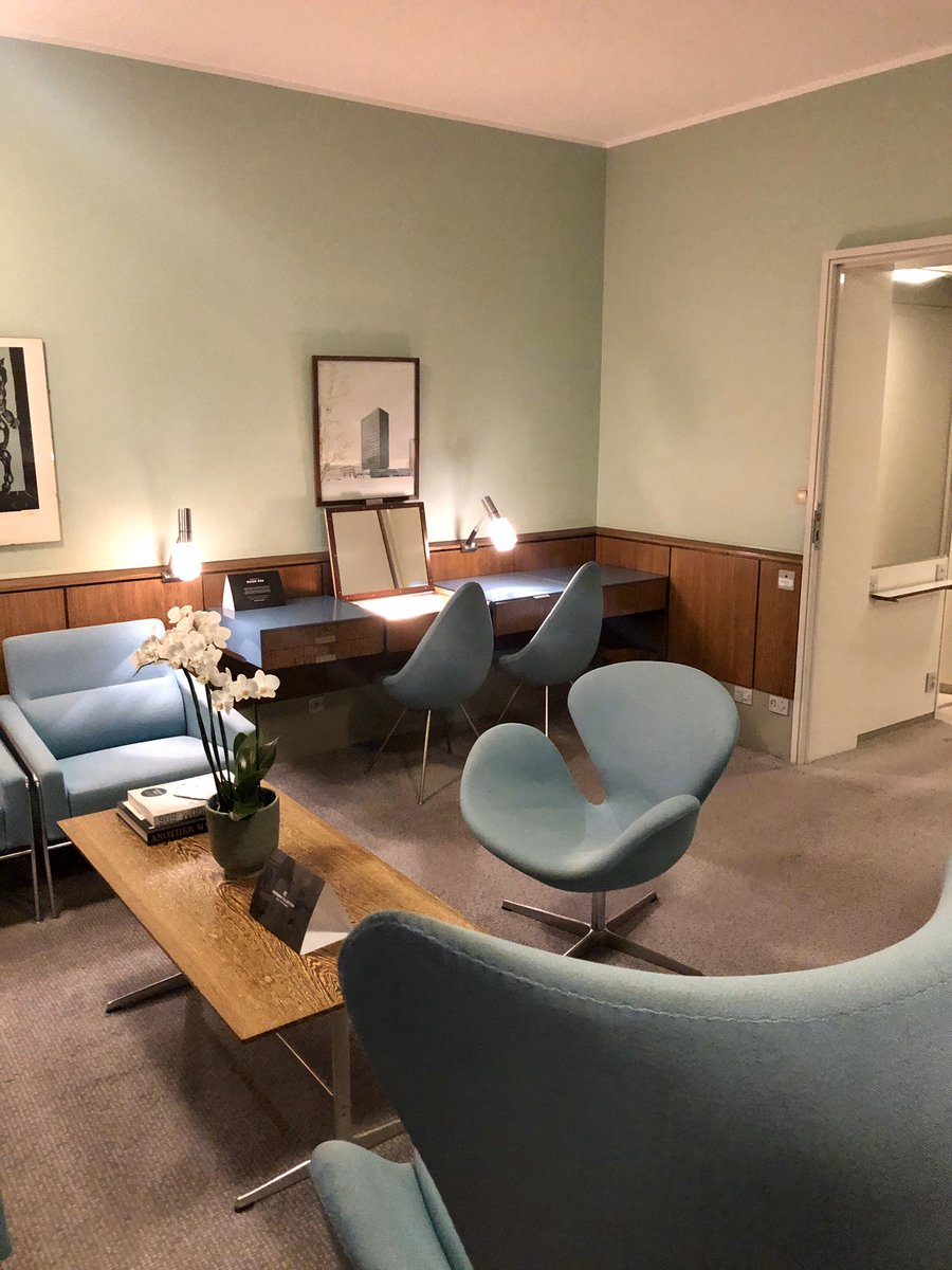 Congratulations @Radisson Blue  #Copenhagen, and wonderful Concierge Kurt, for showcasing the iconic #ArneJacobsen #SAS hotel. 👏🏻👏🏻Watch a video in the bar before enjoying a personal tour of Room  606 reserved for inspection. Useful info for @TheSAHGB @C20Society