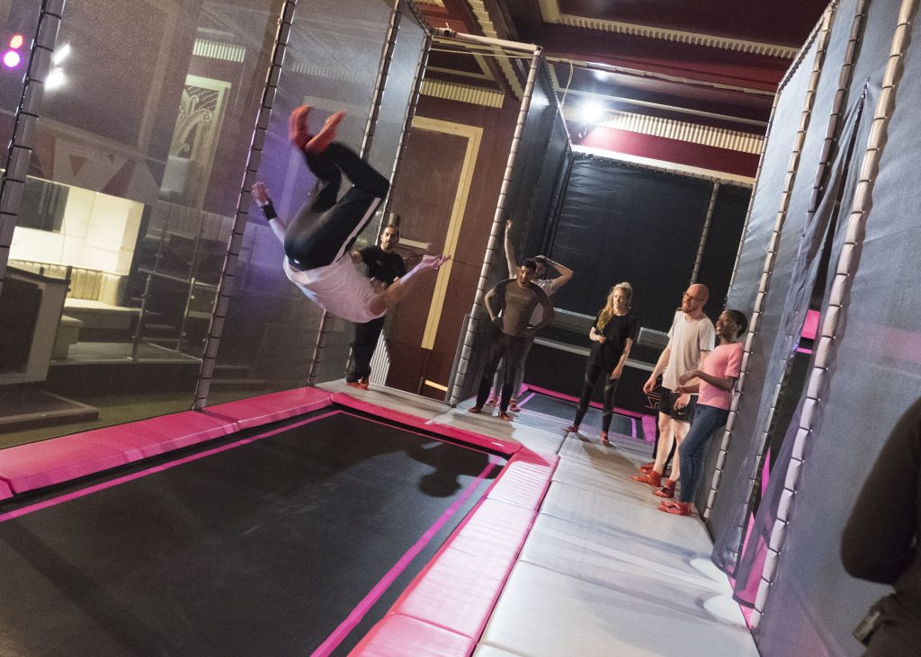 Don't forget that students get 50% off at any weekday Freestyle Jump session! That's only £6 for an hour of bouncing 🤸♀️   #Freshers #Freshers2019 #studentdeals #studentunions #londonstudents