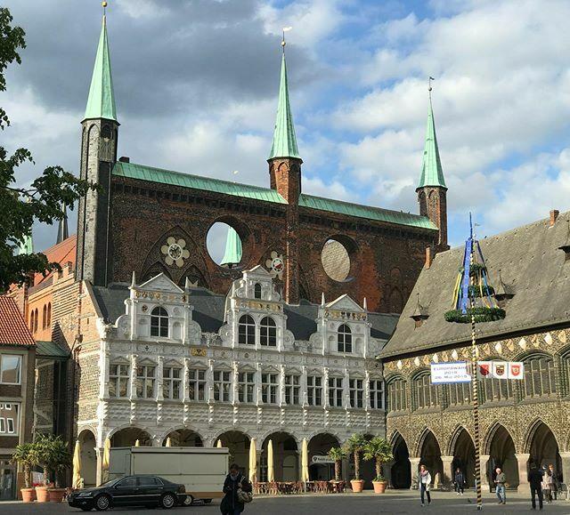 Lübeck in summer Goodnight! #lubeck #lübeck #deutschland_greatshots #deutschlandpix #duitsland #duitsland#germanytourism #germany_greatshots #germanytravel #joketravel #citytrip #cityphotography #streetview #cityphotography #citywalk #… https://ift.tt/36FxafNpic.twitter.com/tXe920w66k