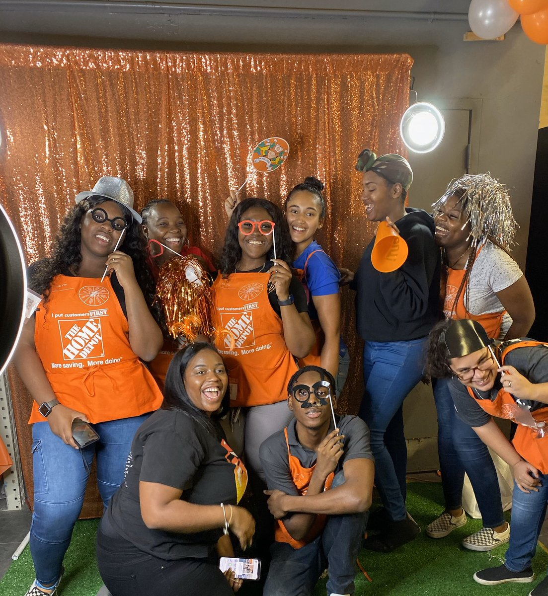 The strength of the team is each member. The strength of each member is the team. #Bedstuy  #Frontend #D90 #Cashiers #Headcashiers #PersonalityPicture @Nap716 @leosantiago0 @shervanw @TierraJ329 @lexxxi427 @perrelli405pic.twitter.com/eiO7lmv3N0