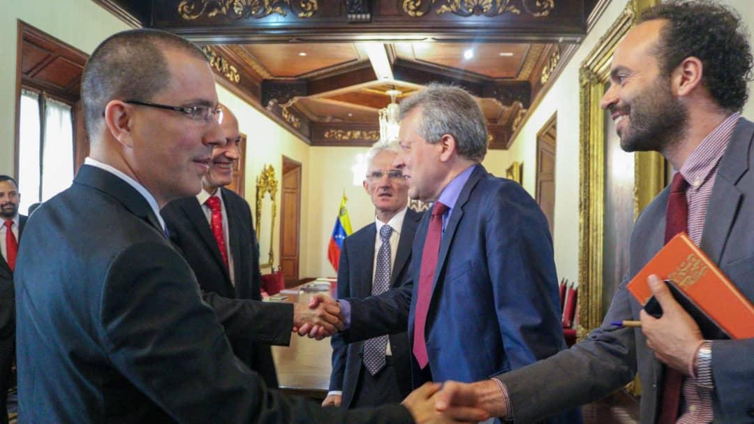 CEOFANB - Venezuela un estado fallido ? - Página 38 EIoP8kUXUAA0fBG