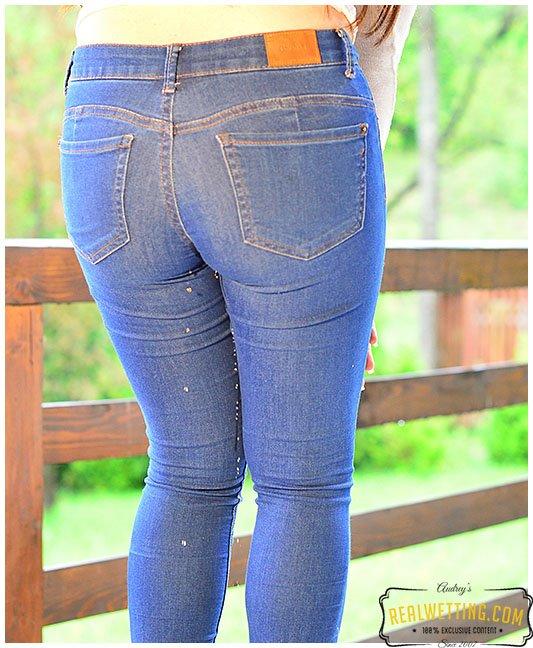 ladies wetting jeans