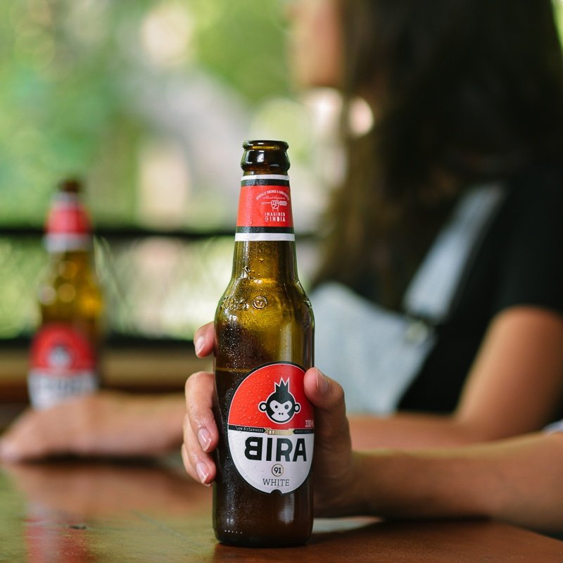 Today's necessities - friends & chilled Bira 91 White! 💯 . . . #Bira91 #Bira91White #Bira91Beers #wheatbeer #flavourfulbeers https://t.co/cAWnKRT7vg