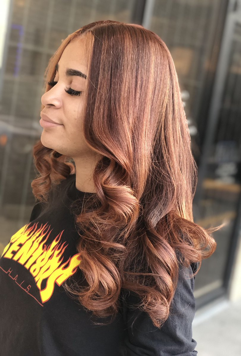 Feeling this #CustomFallColor on #NaturalHair ? 𝘿𝙍𝙊𝙋 𝘼  𝙄𝙁 𝙔𝙊𝙐 𝙇𝙊𝙑𝙀 𝙄𝙏! 🅦🅗🅞'🅢 🅝🅔🅧🅣? 🅦🅔'🅡🅔 🅒🅤🅡🅡🅔🅝🅣🅛🅨 🅐🅒🅒🅔🅟🅣🅘🅝🅖 🅝🅔🅦 🅒🅛🅘🅔🅝🅣🅢! . . #houstonhairstylist #houstonhair  #houstonhaircolorist #pearlandhairstylist #houstonsilkpress pic.twitter.com/Ns3Q5AycL1 – at JAM Beauty Bar