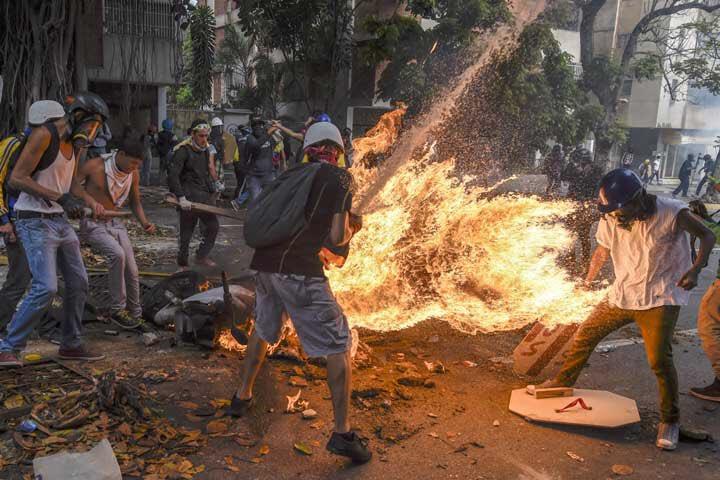 Tag ddhh en El Foro Militar de Venezuela  EIokNfWWwAMUF_7