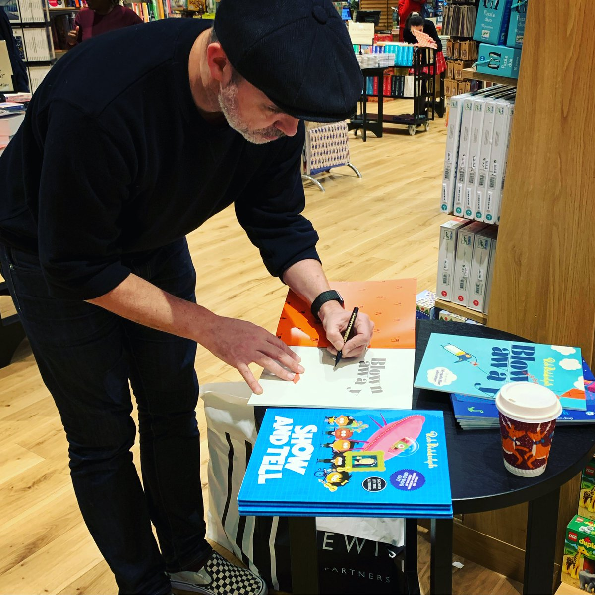 Finally managed to get to the brand new Waterstones at Brent Cross (thanks for looking after us Rihanna) and sign a big ol' pile of my books. Go get 'em! They make really nice Christmas (OH LOOK! I'VE SAID THE WORD) presents.