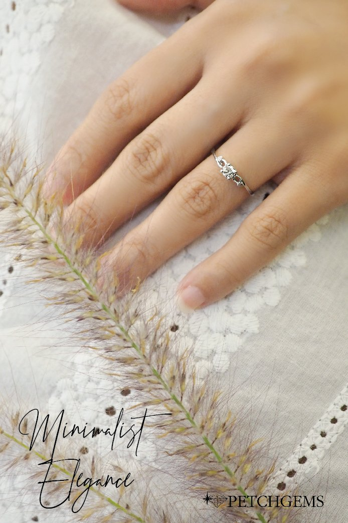#แหวนเพชร อ่อนโยน งดงามเหนือกาลเวลา ไว้ใจได้ถึงคุณภาพประสบการณ์เพชร 30 ปี สำหรับคนสำคัญที่คุณขอแต่งงาน และดูแลความรักจนชั่วชีวิต  เพชร 1 เม็ด สี 95 (I color) vvs1 น้ำหนัก 0.18 กะรัต ราคาปกติ 20,000 บาท ราคาพิเศษ 16,000 บาท