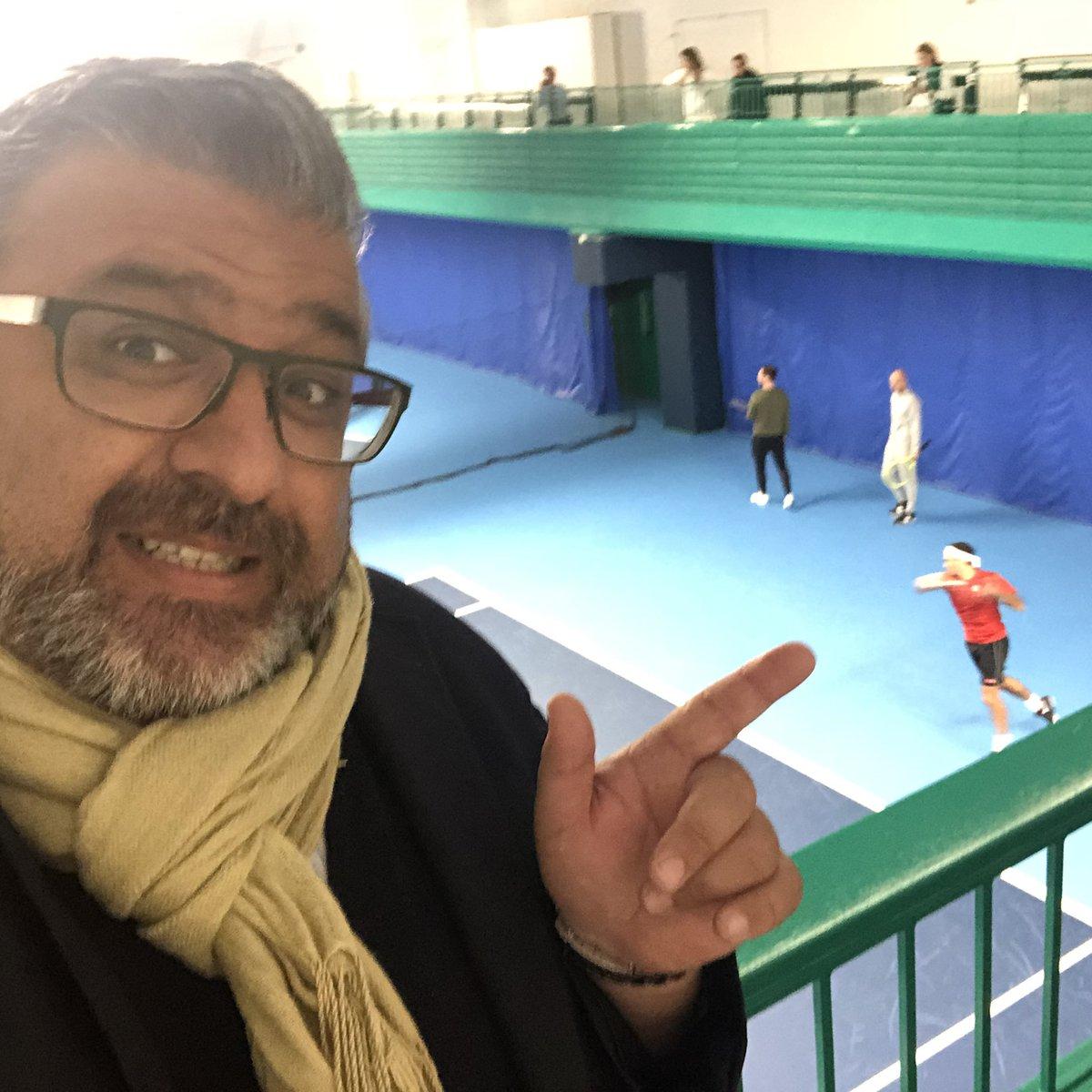 When @rogerfederer pops in to play @TheQueensClub @atptour @SABOURETCardio @fischman_david @ajaykirtane @drkogallagher @QueensTennis @rahatheart1 @DrMarthaGulati @HeartOTXHeartMD @drandrewsharp @AnastasiaSMihai @DrPascalMeier @CMichaelGibson #tennis<br>http://pic.twitter.com/9zsmdXDfF0