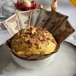 Image for the Tweet beginning: Cash in my dessert. Now