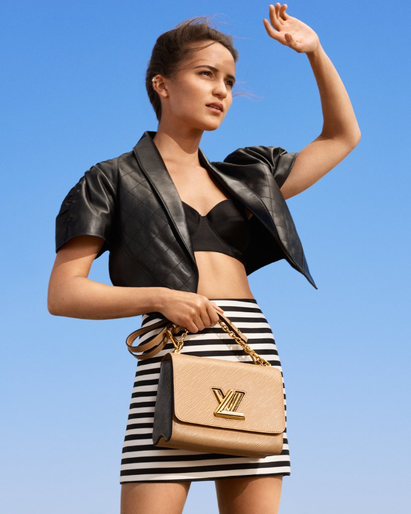 #AliciaVikander and the Twist. Explore the latest models of New Classics from #LouisVuitton's leather goods campaign at on.louisvuitton.com/60151z8eT