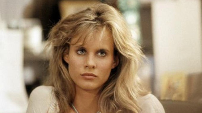 Happy birthday, Lori Singer! Kevin Bacon fell in love with her in \Footloose\!