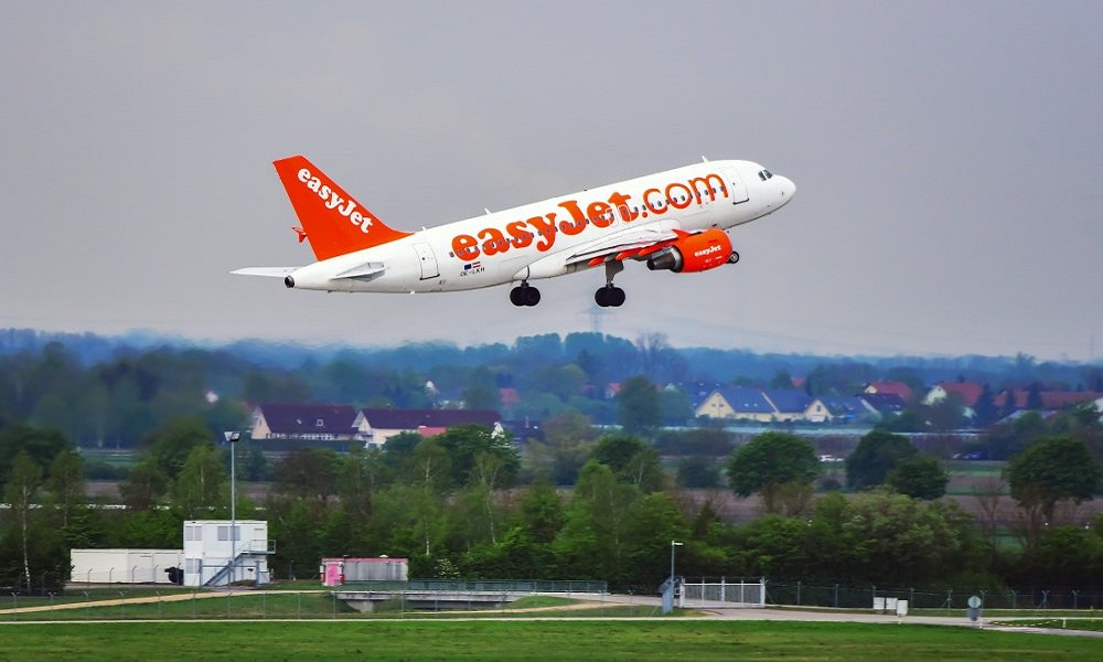 Want to know if a career as Cabin Crew with #Easyjet is right for you? Take their interactive quiz to find out what it is like to be one of the team! Could your career be about to take off @easyjet_careers? ow.ly/RhMd30ndiLQ #JobsInAviation