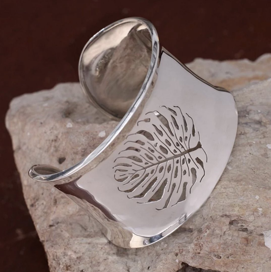 20% OFF Handmade Sterling Silver 'Leaf Fossil' Bracelet (Mexico) click here  #handmadejewelry #handmadejewelryforsale #handmadejewelrysale #handmadejewelrydesign #handmadejewelrypty #handmadejewelryofig #handmadejewelrywithlove #handmadejewelrydesigner