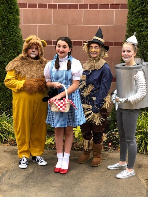 "Franklin Middle School Footlighters present ""THE WIZARD OF OZ"""