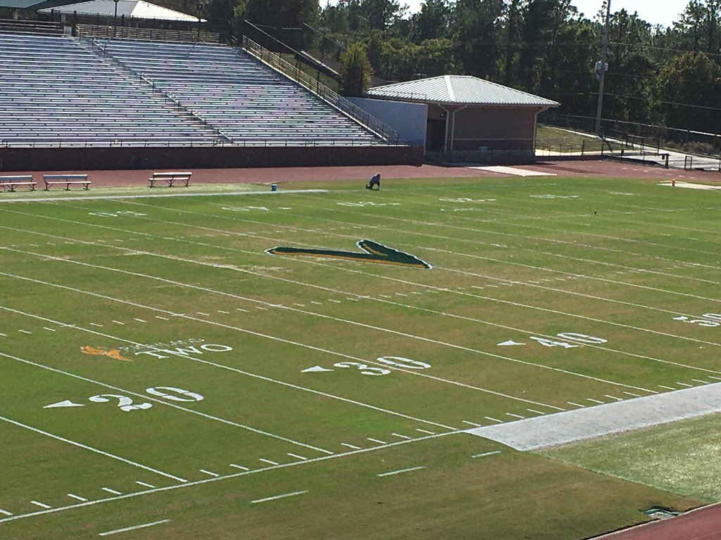 Getting ready for Friday night! Come support our Varsity Football team as they take on Westside in the first round of the @SCHSL 5A playoffs! @SV_Athletics @JTemoney @Glover_Viking @gkprice7 @DrBaronDavis https://t.co/mZbMWBiWtH