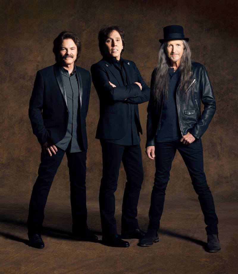 Who needs to get out of the house? 🎶💥 Comment below to enter to win a pair of tickets to see @TheDoobieBros on Tuesday, November 12th at 8p at @cobbenergypac!