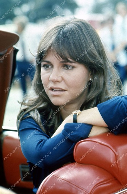 Happy Birthday to Sally Field who turns 73 today!
