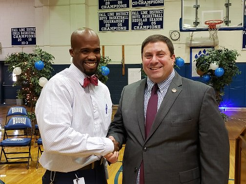 Congratulations to outstanding educator, Ryan Sykes who just won Virginia's 2019-2020 #MilkenAward! @HopewellSchools @DrJamesLane #VAis4Learners  http:// ow.ly/Xy5350x3ZLX     <br>http://pic.twitter.com/H5Dq7N9QRN