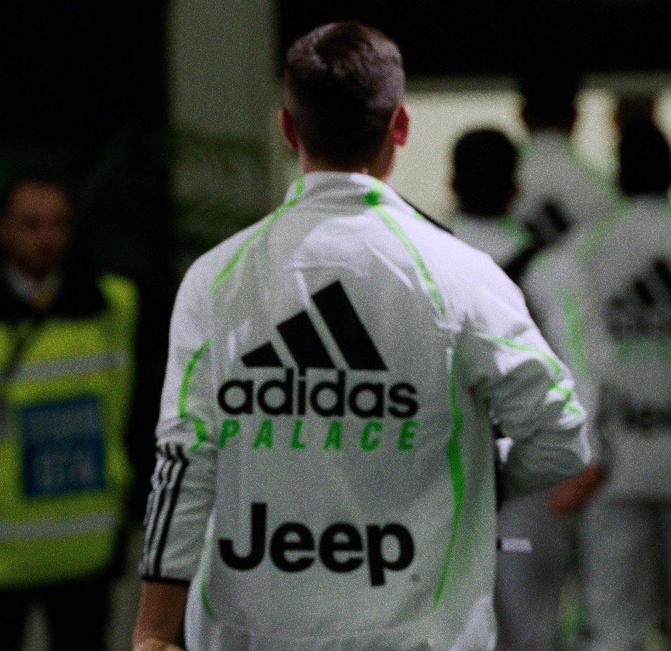 📅 SAVE THE DATE: VENERDì 8 NOVEMBRE 🔥 Arriva il 4th kit @adidasfootball x Juventus x @PALACELONDON ➡️ Dalle 10.00: Juventus Megastore, Torino & Juventus Flagship Store, Milano ➡️ Dalle 12:00: store.juventus.com #LiveAhead