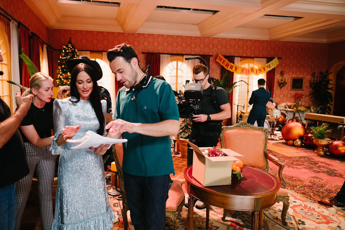 So loved making this special with @KaceyMusgraves - seriously one of the greatest joys I have had in so long. Although it was more than a little bizarre making a Christmas special in boiling hot June and July. Coming to Amazon end of this month #KaceyChristmas