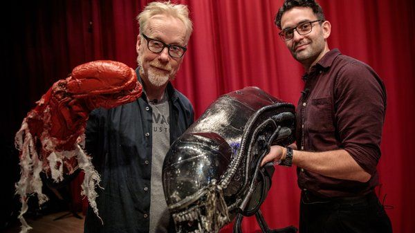 .@donttrythis Tours North Bergen High Schools Alien: The Play Artifacts! (Prepare yourself to be WOWED!) @NBHS_Bruins bit.ly/34FXUex