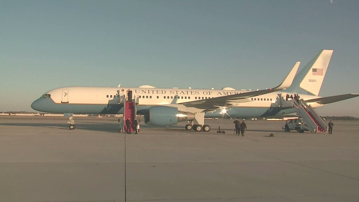 A C32A/757 serving today as Air Force One, gleams in the afternoon sun on the tarmac at @Andrews_JBA, awaiting Pres Trump for flight to Monroe, Louisiana for campaign rally tonight. #NTABP