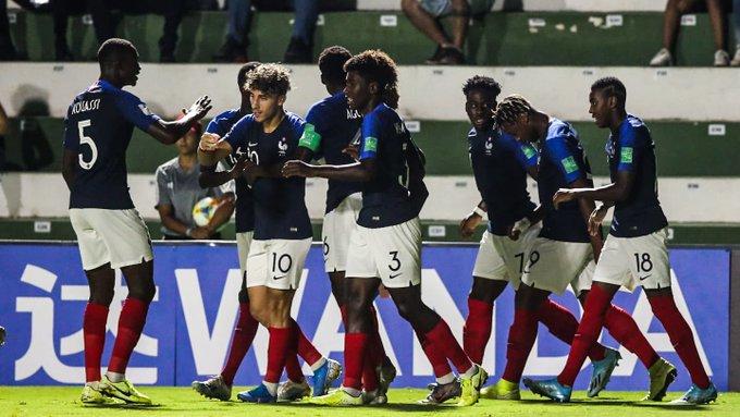 Octavos de Final del Mundial Sub 17 :Brasil eliminó a Chile y pasó a los cuartos de final, tambien avanzaron Mexico, España y Francia (Video)  EIuzN5sXYAAh9r9?format=jpg&name=small