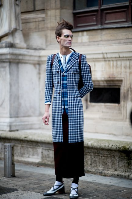 Taking it to the Streets: from #Runway to #StreetStyle- #ThomBrowne #AW19 #MensWearCollection  #menInSkirts #agenderFashion #genderNeutralFashion #genderlessFashion #mixedPlaids #skirtSuitingpic.twitter.com/XPDphUnT74
