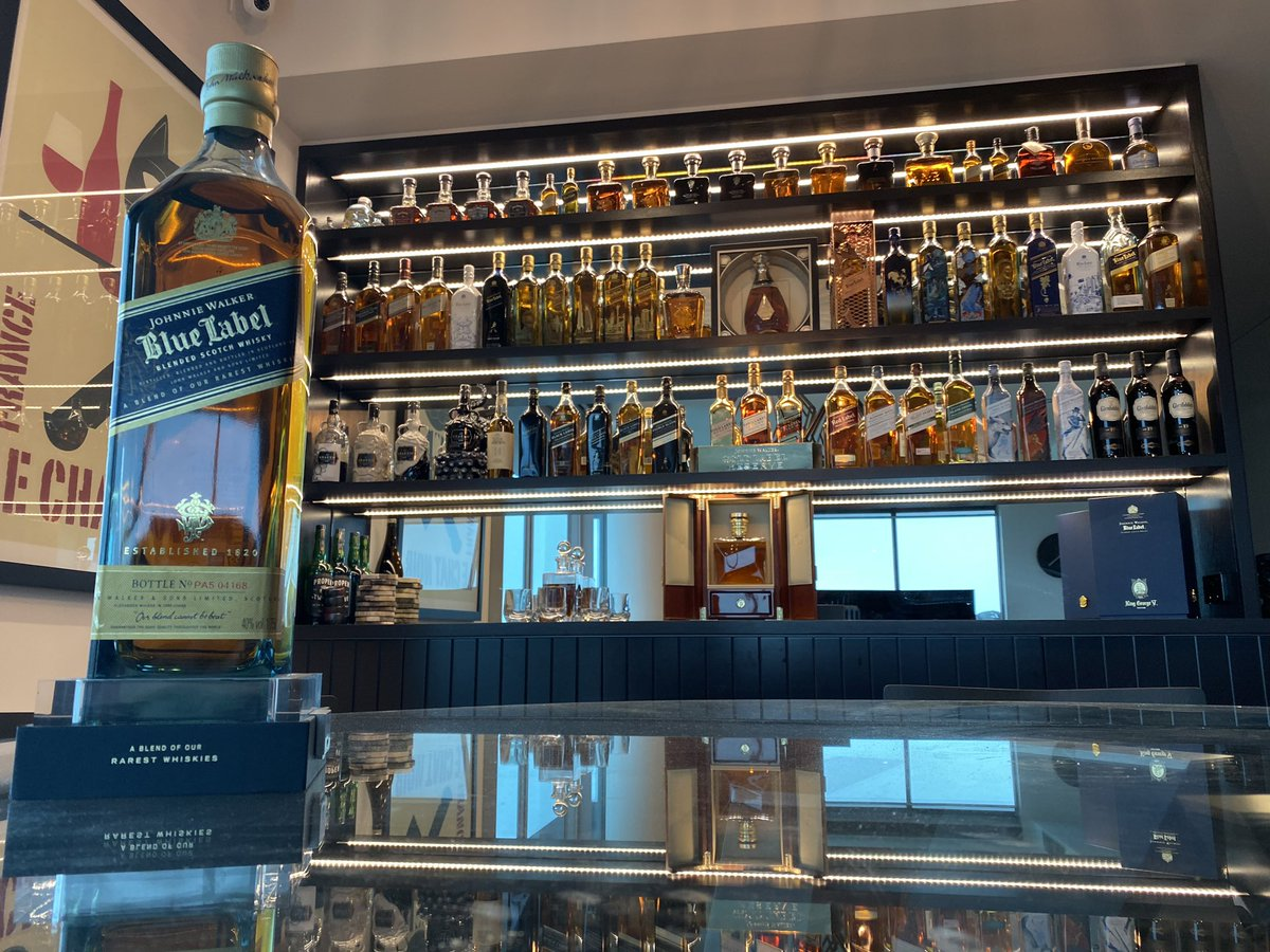 #JohnnieWalker Blue Magnum size (1.75L) joins the collection. For scale, check it out beside both the 1L and 750ml bottles. <br>http://pic.twitter.com/2l8YvLT5RZ