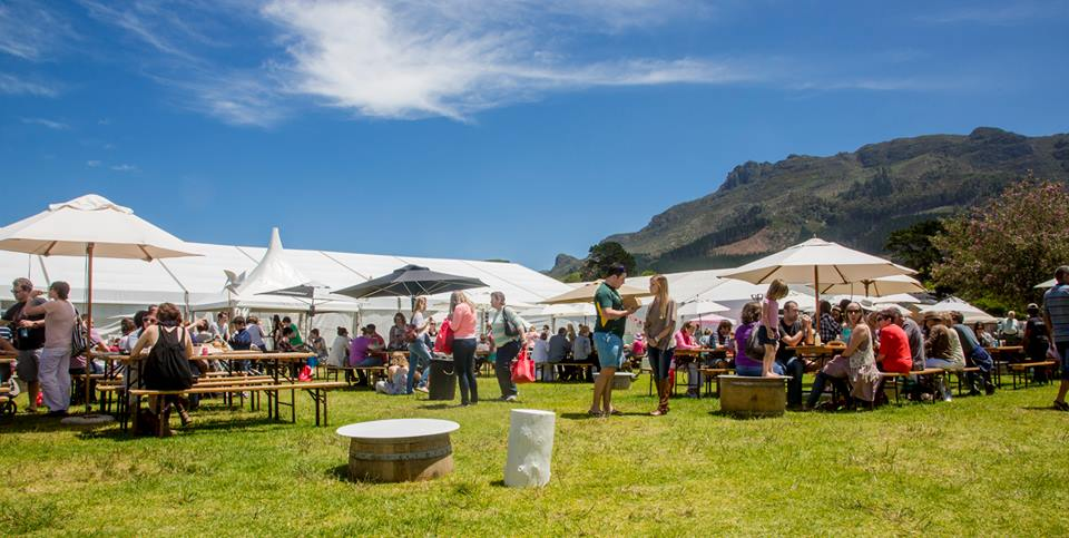 Christmas gift markets in Cape Town http://ow.ly/gvzd50x4qcN  #lovecapetown