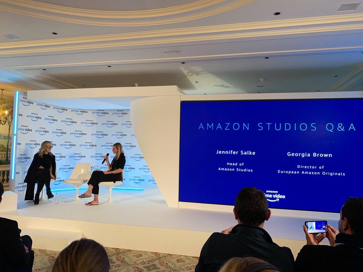 Amazon Prime Video veut frapper fort en France avec offre de contenus divertissants. «On cultive les abonnements Prime (140M dans le monde) par les contenus en peaufinant les projets. On veut être la maison des talents. Les producteurs sont prolifiques», J. Salke (Amazon Studio)